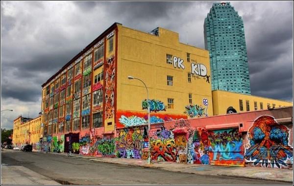 «5Pointz Aerosol Art Center» - музей граффити под открытым небом
