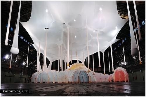 <br>«Аnthropodino» - уютная и ароматная инсталляция Эрнесто Нето