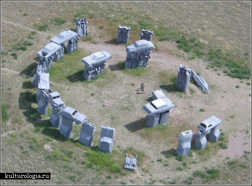 carhenge1.jpg