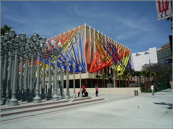 Яркое будущее в инсталляциях Чхве Чон Хва