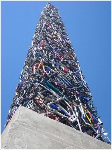 «Cyclisk»  - обелиск из велосипедов
