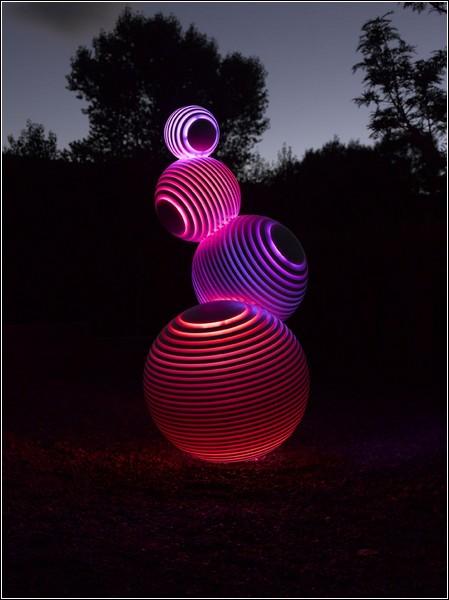 Скульптура «Stratospheric» от Флетчера Вогана