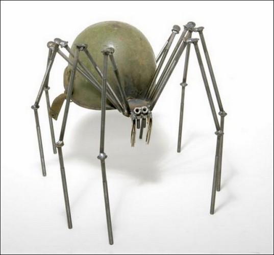 Военные шлемы в скульптурах Фреда Конлона