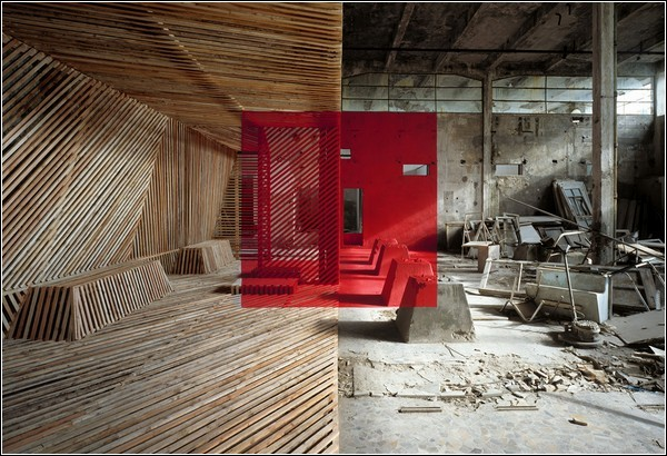 Создавать иллюзии помогают не только краски, но и деревянные рейки