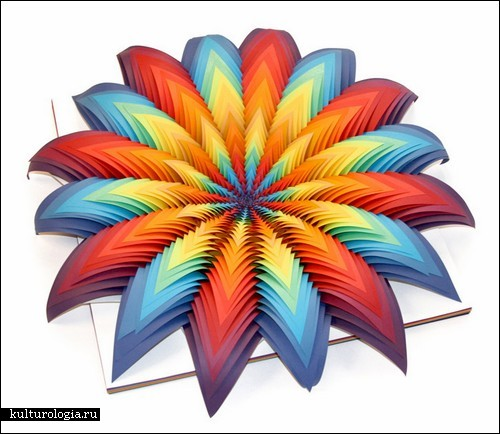 Все цвета радуги в бумажном арте Джен Старк
