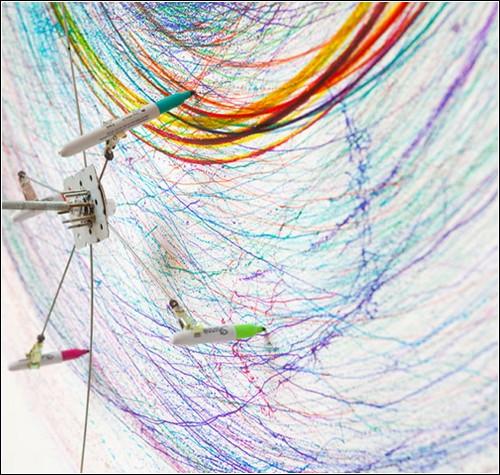 «Рисовальная машина» - интерактивная инсталляция Джозефа Гриффитса
