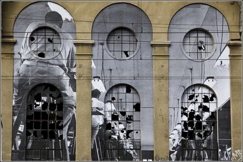 «Без рамки»: стрит-арт от JR