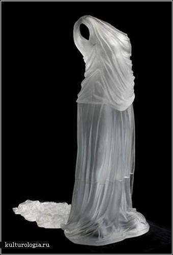 Стеклянные платья Карен Ламонт