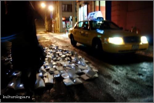 Luzinterruptus: литература VS трафик