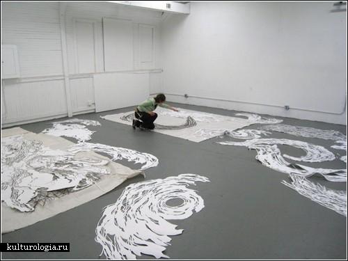 Бумажные вихри и облака Мии Перлман