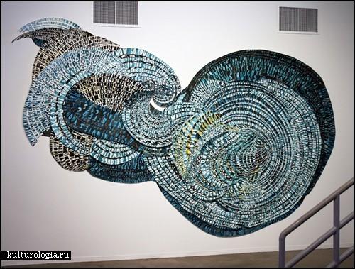 Слова и буквы в бумажных инсталляциях Наташи Боудин