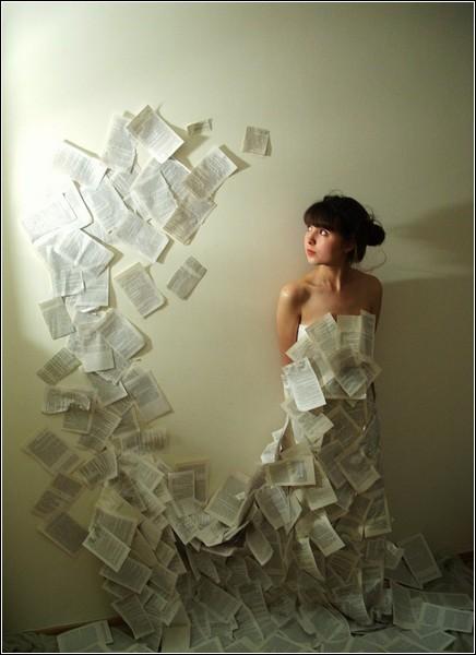 Смастерить бумажное платье может попробовать каждый