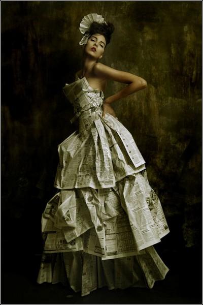 Самая важная деталь в платье - женщина, котоpая его носит Ив Сен Лоран.