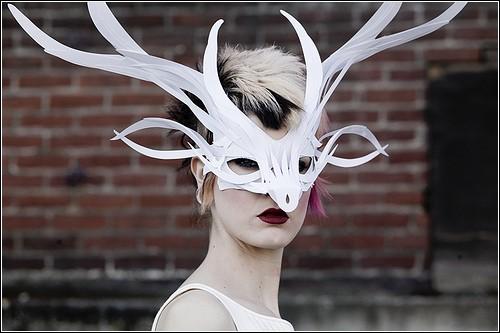 Бумажный маскарад от Филипа Валдеза