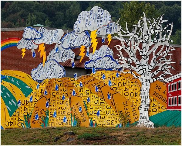 «Читай между знаками»: забор-инсталляция в Пенсильвании