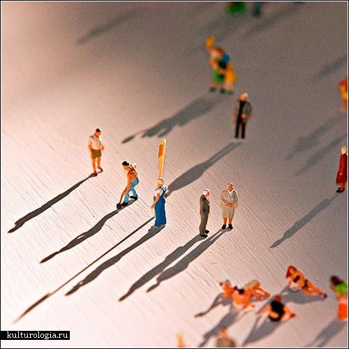 Одиночество в толпе. Инсталляция Рольфа Сакса
