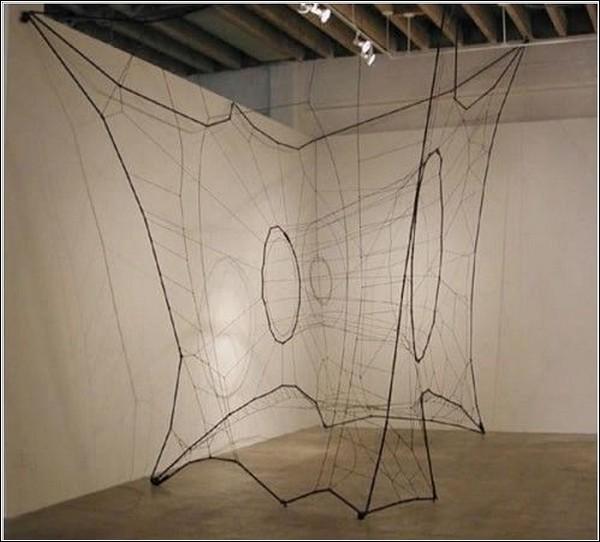 Самые необычные инсталляции из ниток