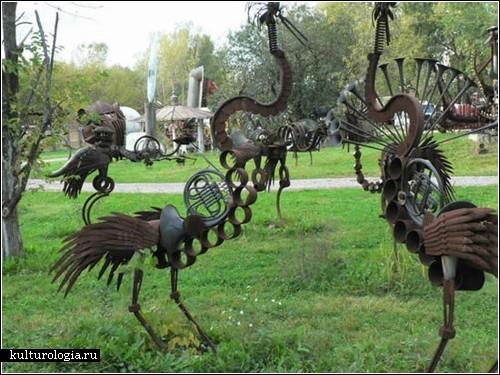 Dr. Evermore's Scrap Metal Yard - парк скульптур в стиле стимпанк