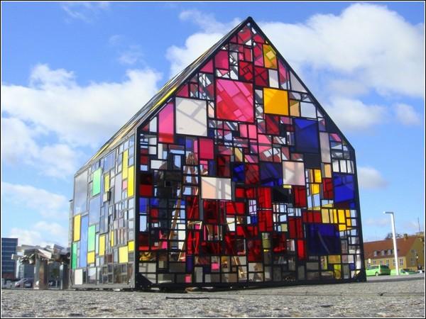 Сказочный домик в Копенгагене. Инсталляция Тома Фруина