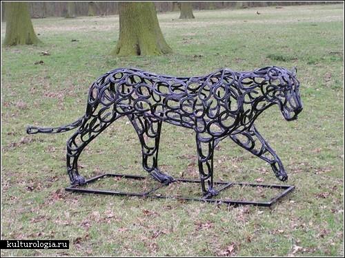 Скульптуры из подков от Тома Хилла