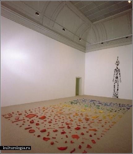 Пластиковые инсталляции Энтони Крэгга