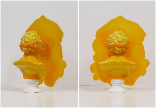 Скульптор любит работать с яркими цветами