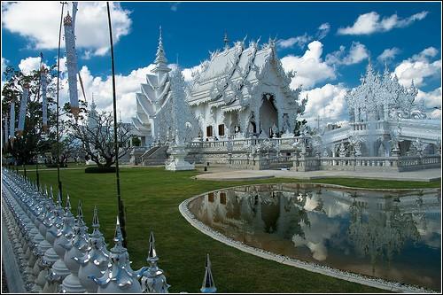 Wat Rong Khun – белоснежный буддийский рай
