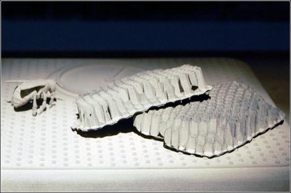 Скульптуры из человеческого пепла от Вики Сомерс