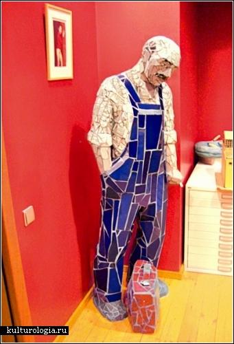 Скульптор Жанна Кадырова приручает кафель