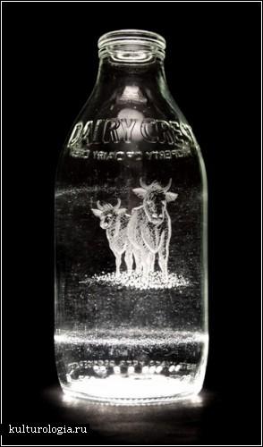 Гравировка на стеклянных бутылках. Автор Шарлотта Хьюз-Мартин
