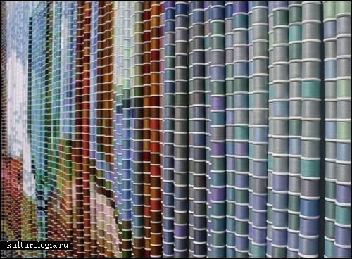 Thread Spool Works - картины из ниток в катушках