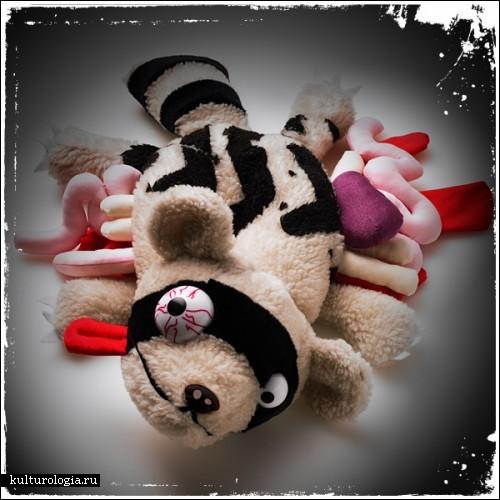 Плюшевые зверушки, погибшие под колесами машин. Коллекция игрушек  Roadkill Toys
