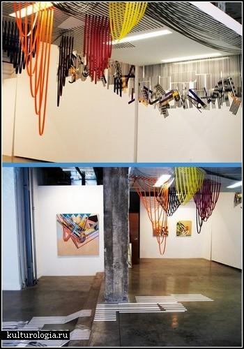 Ребекка Уорд (Rebecca Ward). Инсталляции из разноцветной изоленты