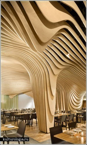Деревянно-волнистый интерьер для ресторана в Бостоне
