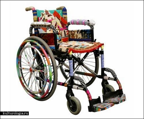 Яркое инвалидное-кресло от Sergio Calatroni для Fabrizio Sclavi