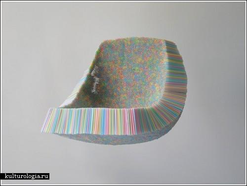 «Пьющий» стул из 10,000 соломинок