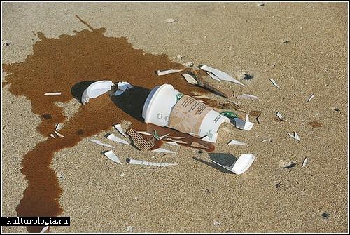 Серия снимков «разбитых вдребезги» вещей