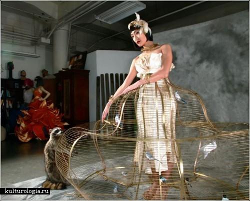 «Платье-птичья клетка» (Birdcage Dress) от дизайнера Кейси МакМахон (Kasey McMahon)