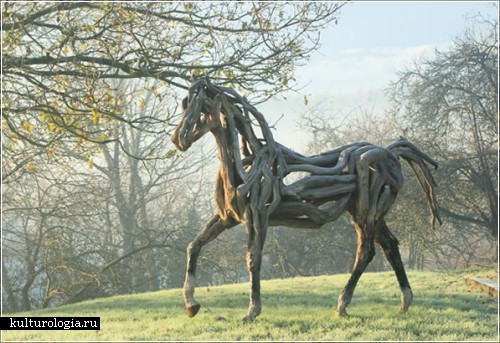 Деревянные скульптуры лошадей от  Heather Jansch