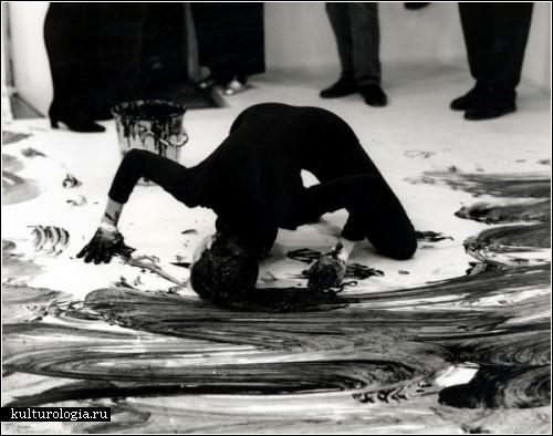 Нетрадиционный и провокационный перфоманс Жанин Антони (Janine Antoni)