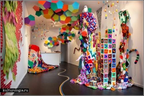 Вязаные инсталляции Сары Моли Ньютон Апплбаум (Sarah Moli Newton Applebaum)