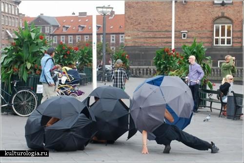 Уличный перфоманс с зонтиками от Джули  Тремблей (Julie Tremblay)