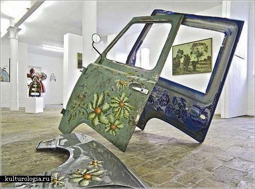 Вышивка по металлу литовской художницы Severija Incirauskaite-Kriauneviciene