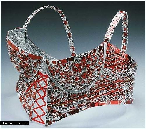 Нижнее белье из жестяных банок от дизайнера Ингрид Голдблум Блох (Ingrid Goldbloom Bloch)