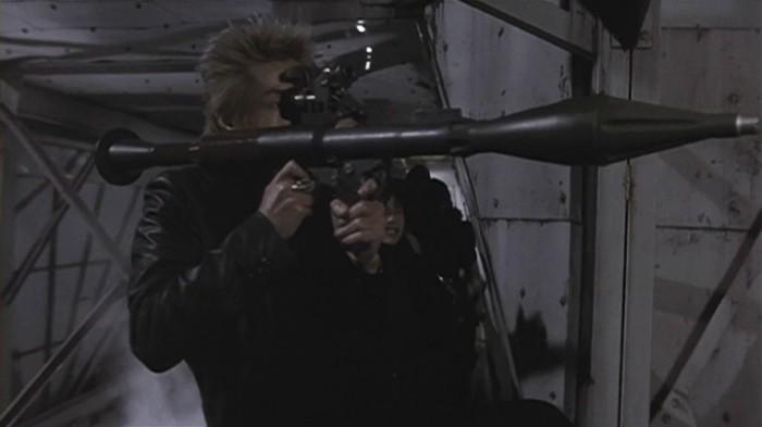 Кадр из фильма «Пришелец из будущего (2002)».
