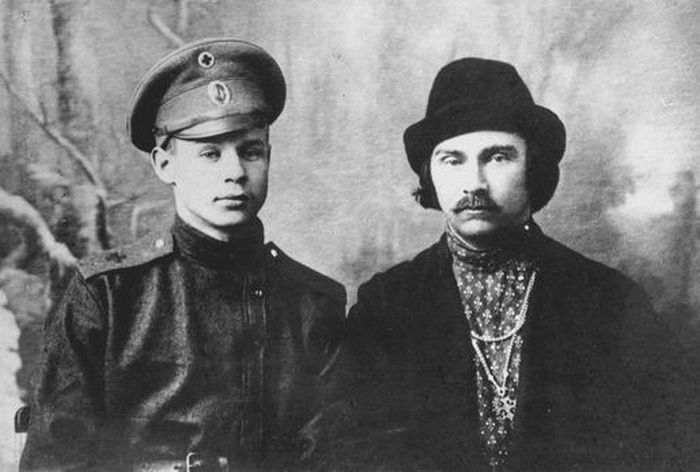 Сергей Есенин и Николай Клюев.