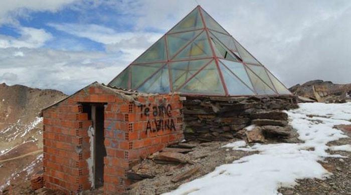 Горнолыжный курорт на леднике Чакалтая.