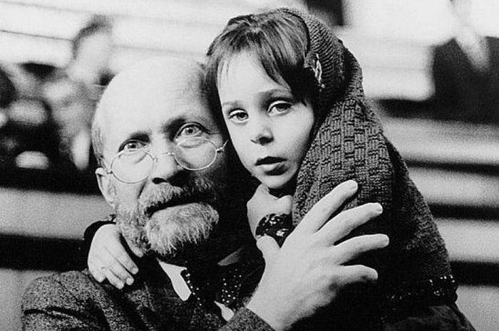 Януш Корчак: тот, кто был с детьми до конца.