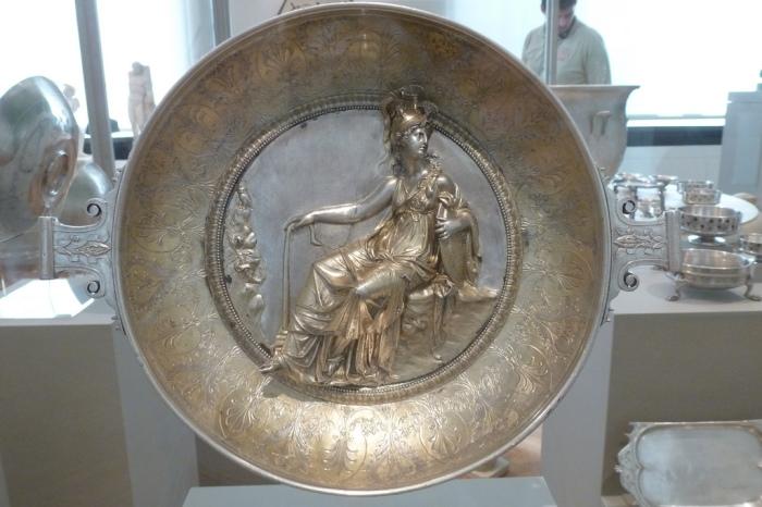 С какой посуды ели и пили в Риме до нашей эры: Знаменитые клады древнеримского столового серебра