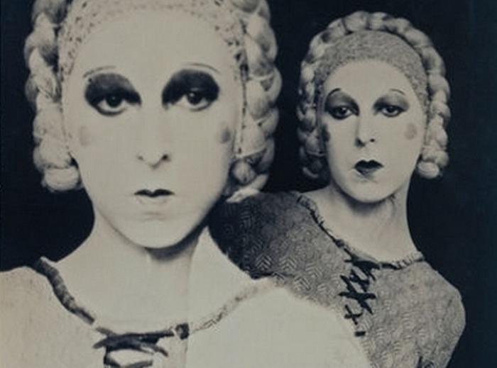 Клод Каон - скандальная фотохудожница XX века, которая всю жизнь искала баланс между мужским и женским.